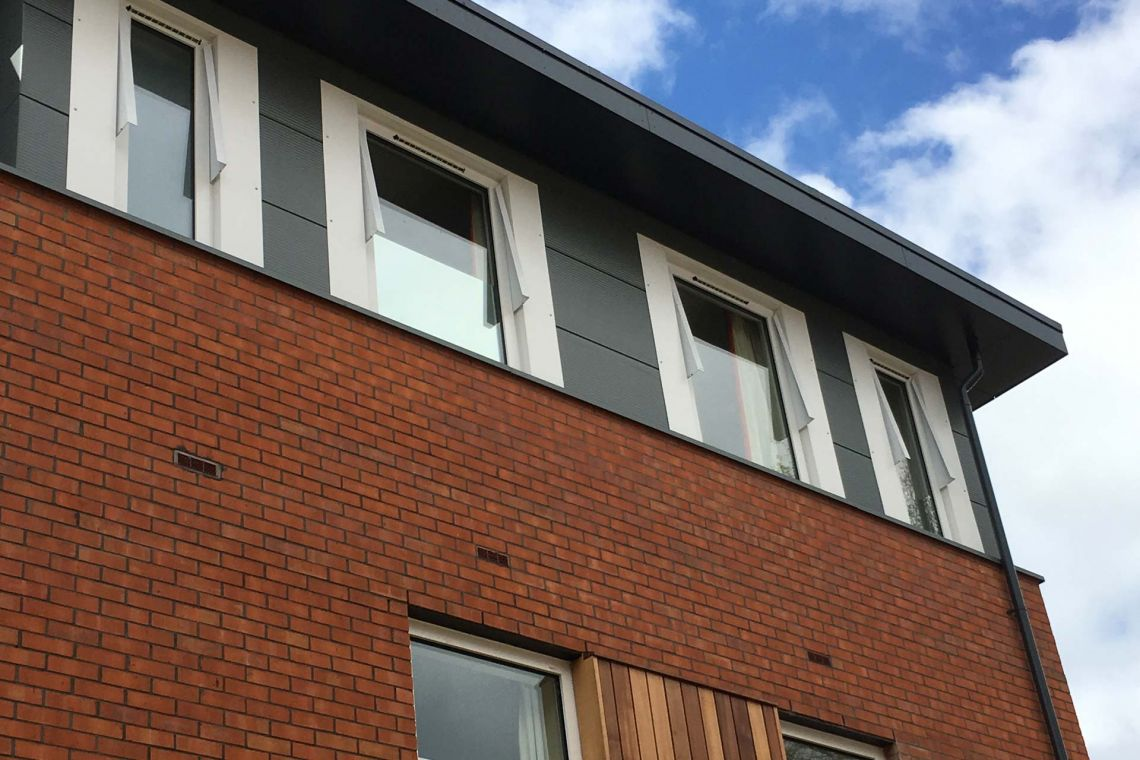 Convertible window handles to provide flexibility in the care pathway