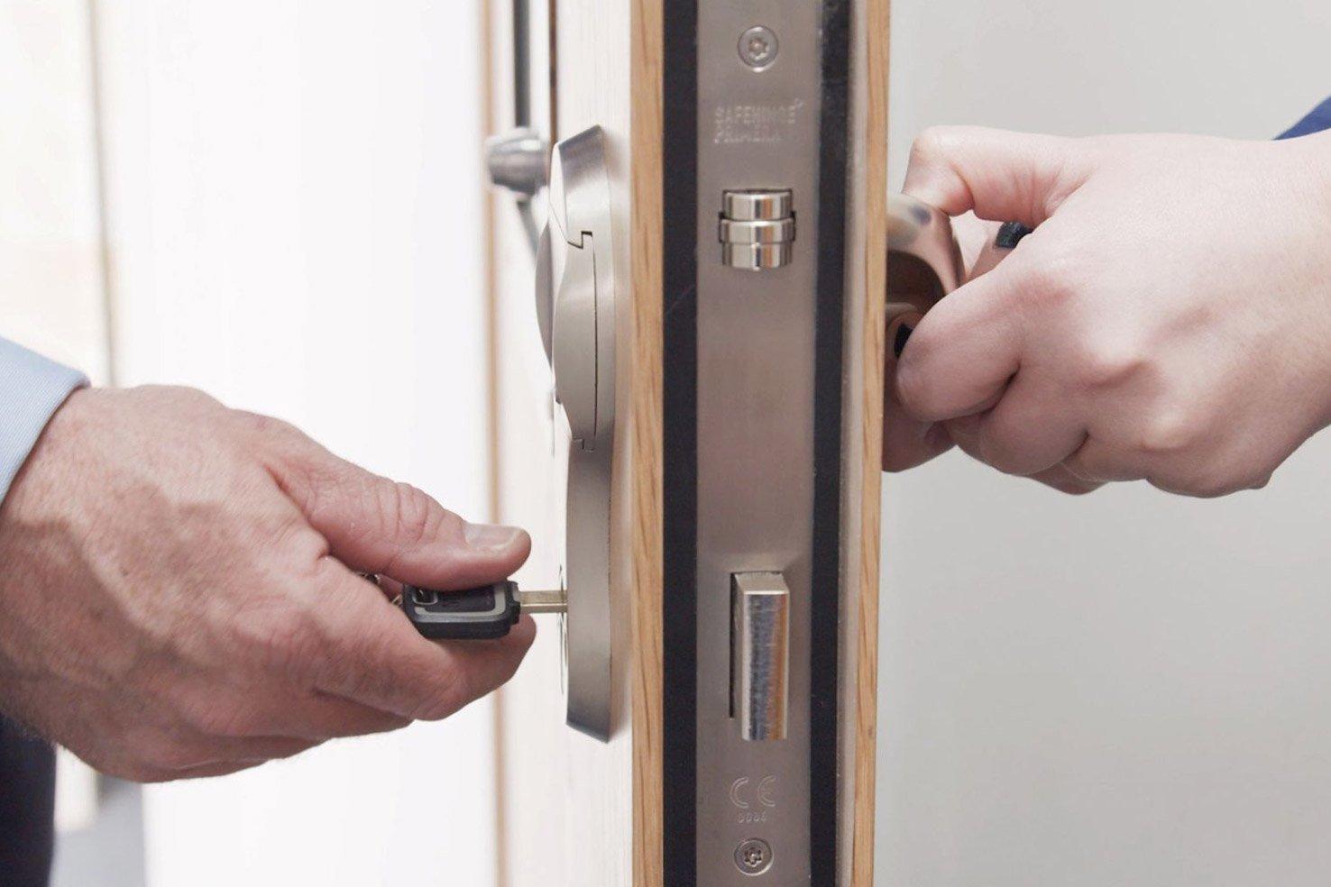 5-way SOS - key overriding the internal lock