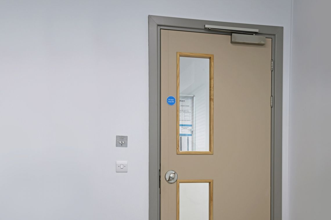 Non-service user doorset