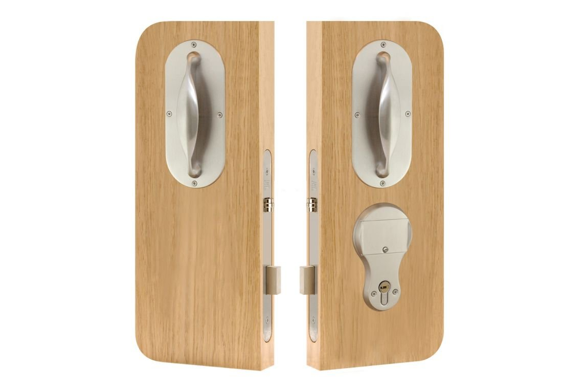 76 –  En-suite lockset