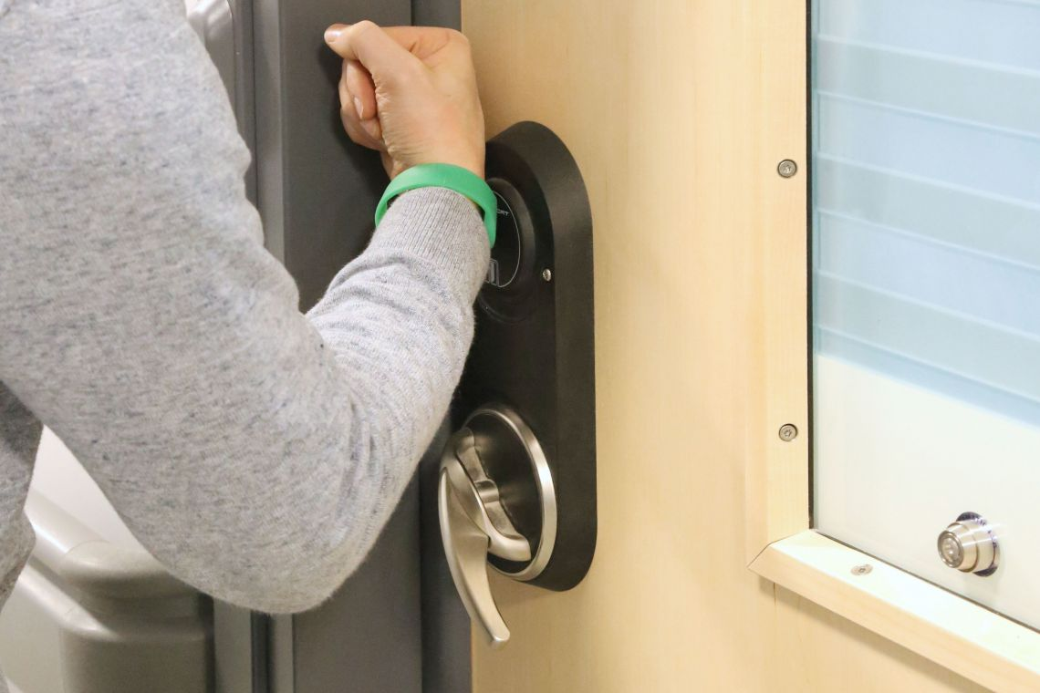 Electronic lockset