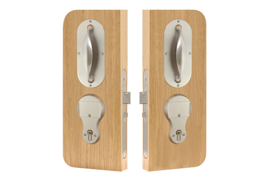 86 - Automatic Night Latch lockset (Keyed inside)